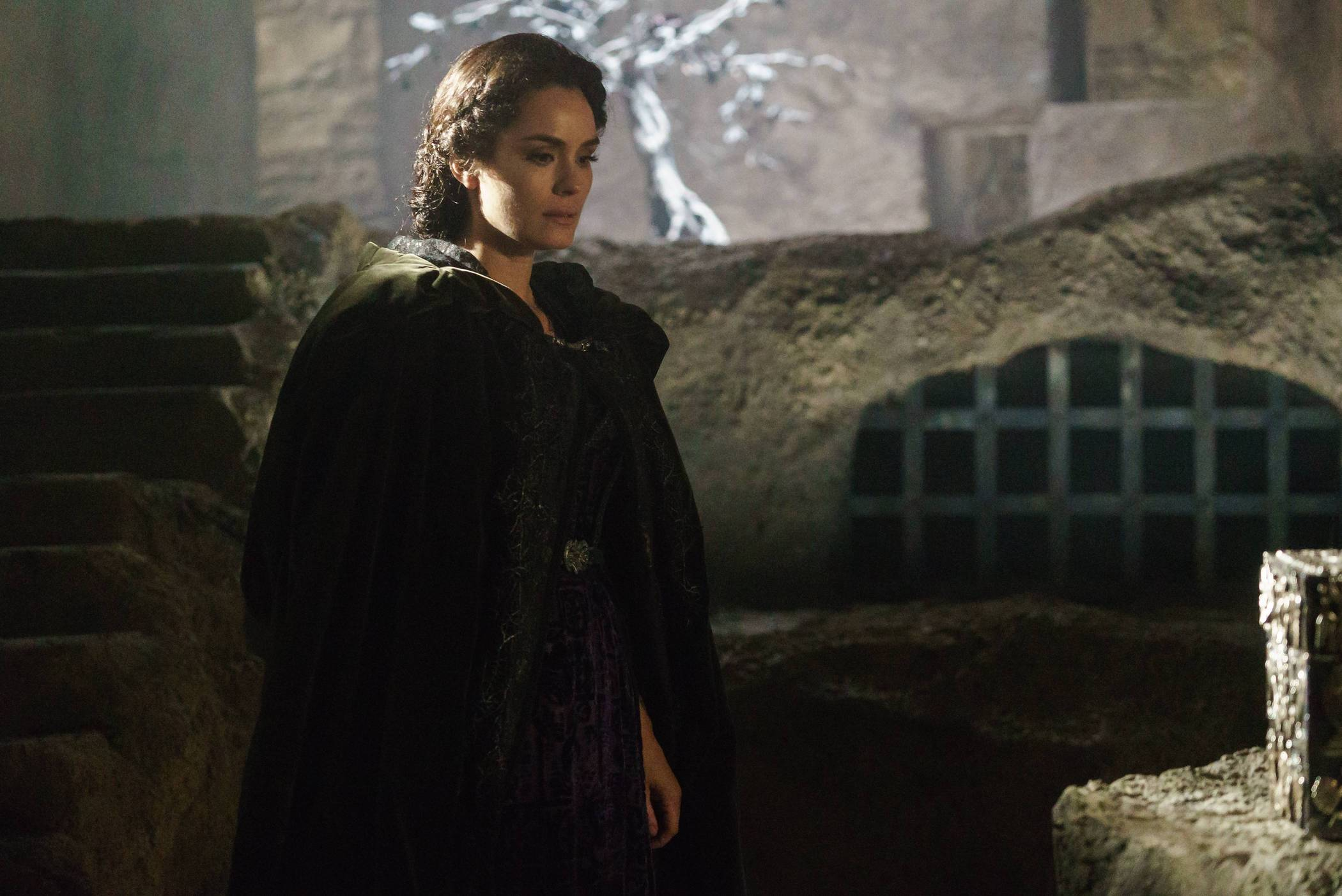 "SLEEPY HOLLOW: Pandora (Shannyn Sossamon) in the ""I, Witness"" season three premiere episode of SLEEPY HOLLOW airing Monday, Oct. 1 (9:00-10:00 PM ET/PT) on FOX. ©2014 Fox Broadcasting Co. CR: Tina Rowden/FOX"