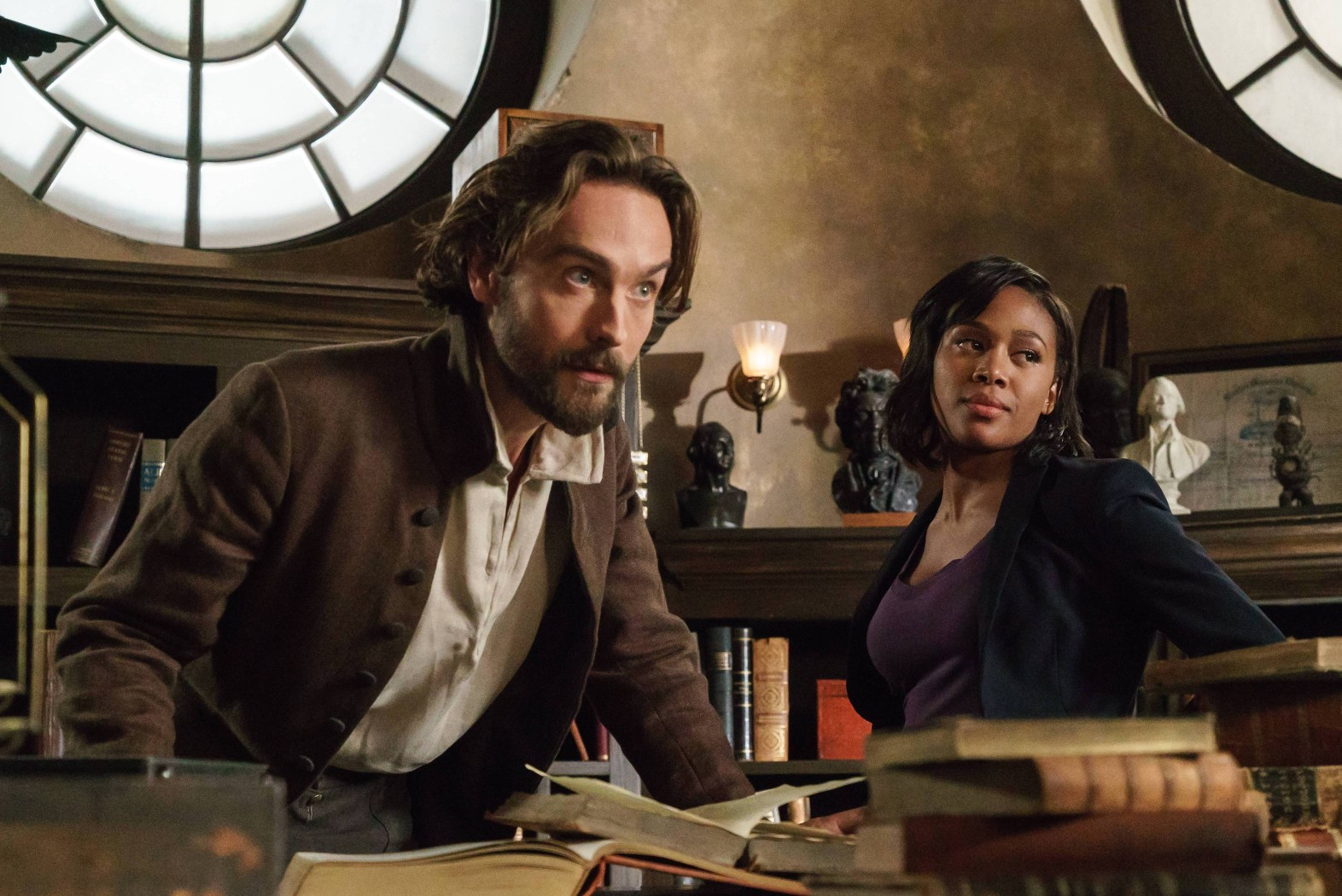 "SLEEPY HOLLOW: L-R: Tom Mison and Nicole Beharie in the ""The Sister Mills"" episode of SLEEPY HOLLOW airing Thursday, Oct. 22 (9:00-10:00 PM ET/PT) on FOX. ©2015 Fox Broadcasting Co. CR: Tina Rowden/FOX"
