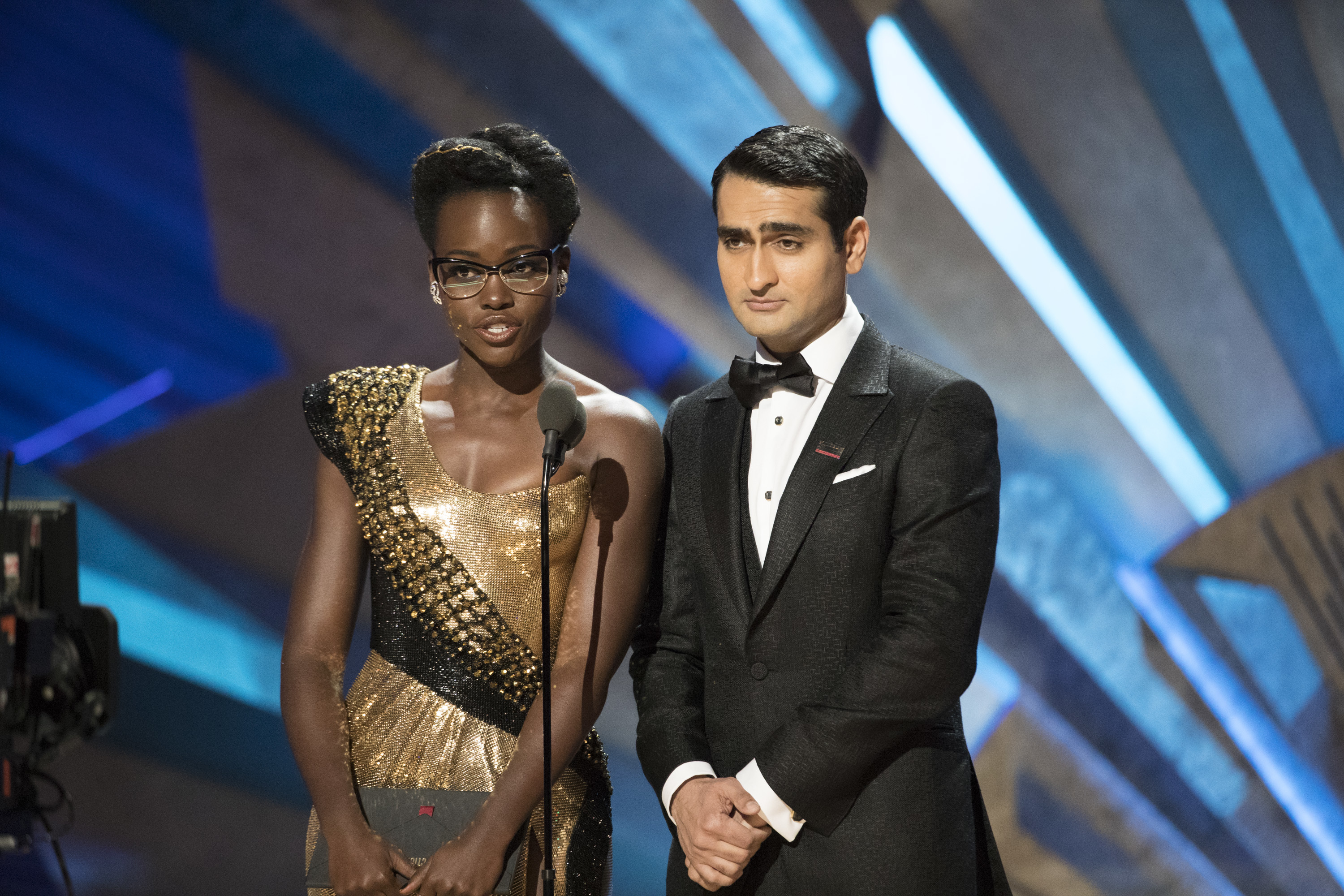 Lupita Nyong'o and Kumail Nanjiani give a speech supporting DREAMers at the Oscars.