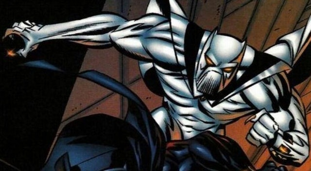 White Wolf, wearing a white Black Panther-esque costume, in battle.