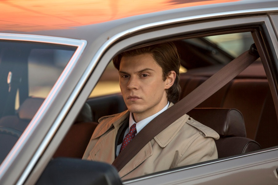 Evan Peters as Stan. (Eric Liebowitz/FX)
