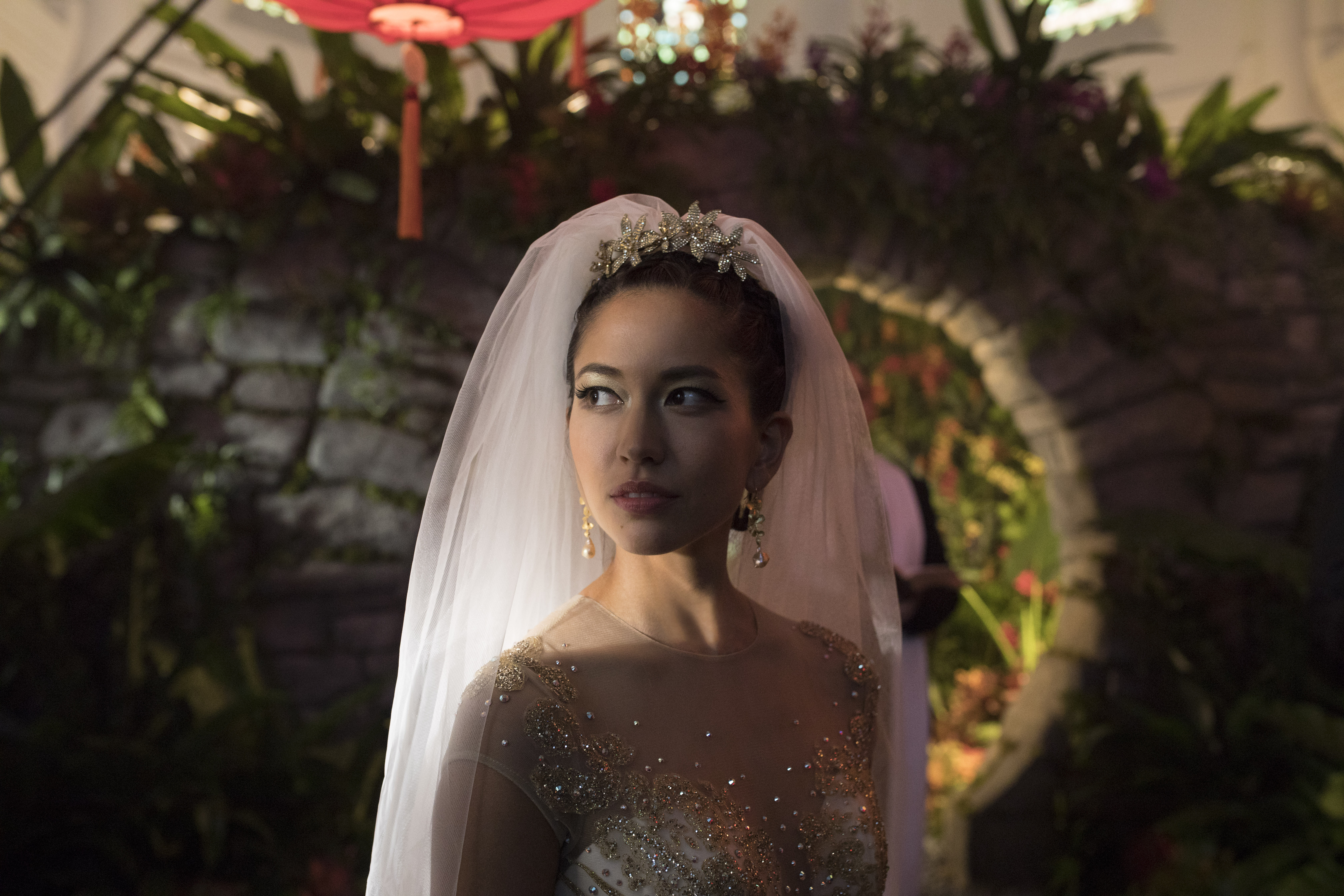 "Photo Credit: Sanja Bucko Caption: SONOYA MIZUNO as Araminta in Warner Bros. Pictures' and SK Global Entertainment's and Starlight Culture's contemporary romantic comedy ""CRAZY RICH ASIANS,"" a Warner Bros. Pictures release."