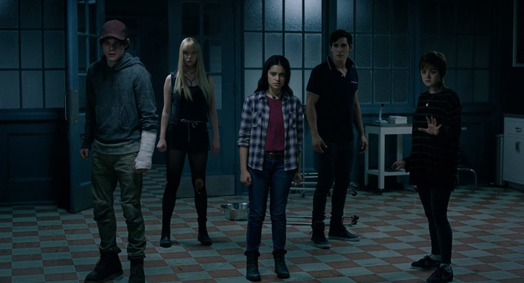 Henry Zaga in the middle of his other castmates, (L-R) Charlie Heaton, Anna Taylor-Joy, Blu Hunt, and Maisie Williams. (Photo credit: 20th Century Fox)
