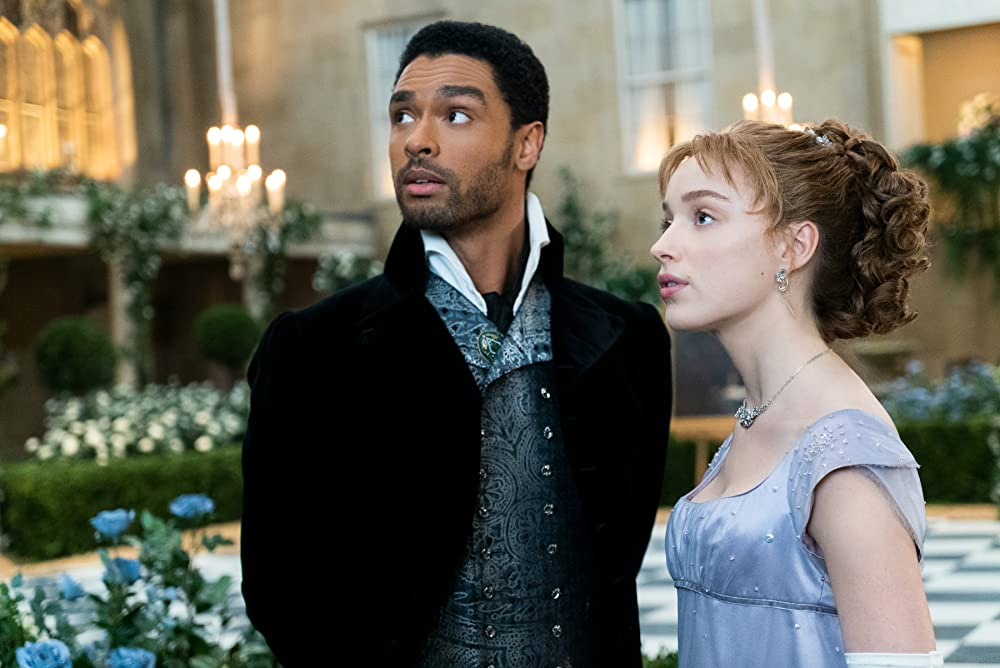 Simon (Regé-Jean Page) and Daphne (Phoebe Dynevor) before they finally reconcile at their hosted ball, the final ball of the season. (Photo credit: Liam Daniel/Netflix)
