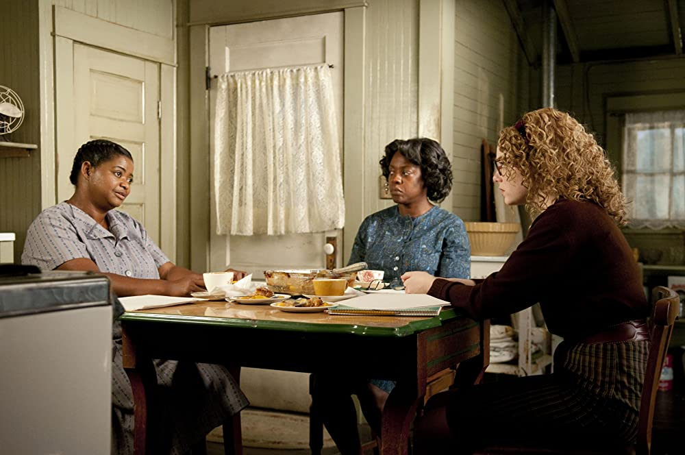 (L-R): Octavia Spencer, Viola Davis, and Emma Stone as Minny, Aibileen and Skeeter in The Help. (Dale Robinette/DreamWorks)